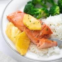 salmon with pineapple on rice with broccoli