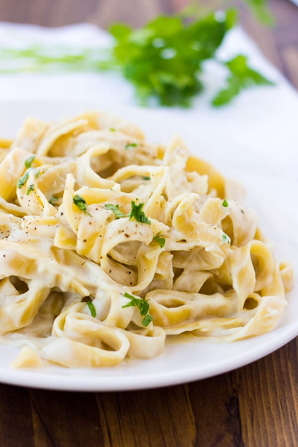 Creamy Cauliflower Alfredo Sauce {Dairy