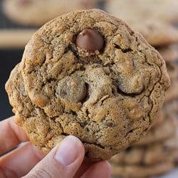 Flourless Oatmeal Almond Butter Chocolate Chip Cookies {Gluten-Free, Dairy-Free}